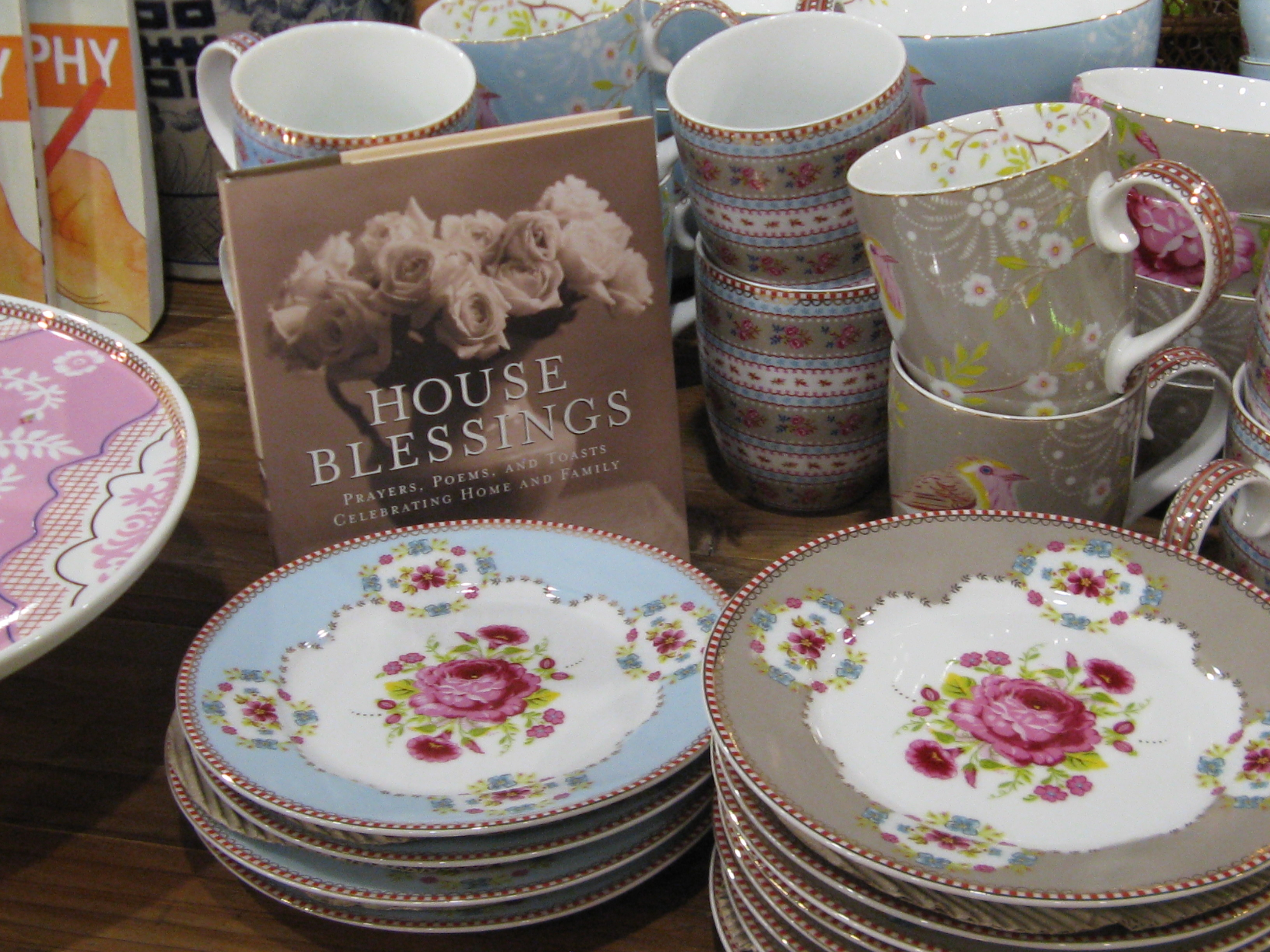 Mix and match in style with hand painted dessert plates along with mugs bowls and pie plates from Free Reign Boutique. Makes for a great gift in any ... & Mix and Match Dessert Plates Mugs Bowls and Pie Plates at Free ...