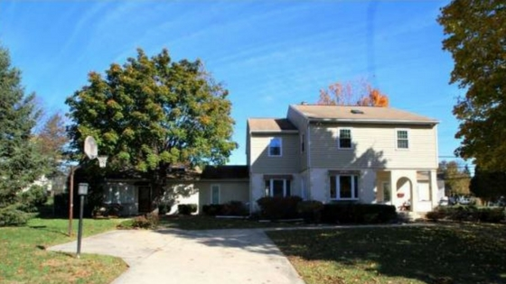 Single family home with attached in law suite for sale in for House with inlaw suite for sale
